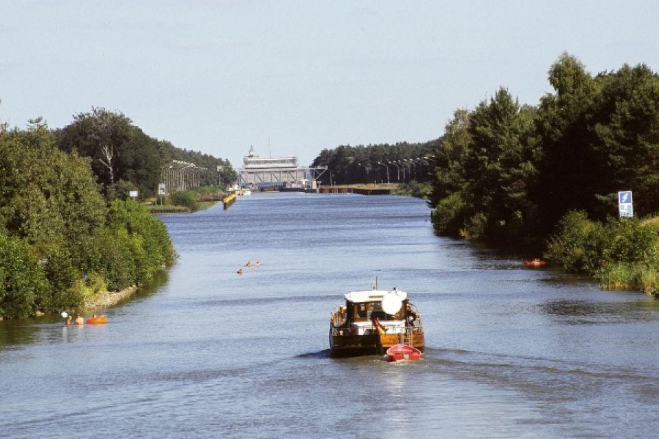 Auf dem Finowkanal, Foto: TMB-Fotoarchiv/Korall