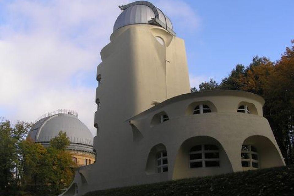 Der Einsteinturm auf dem Telegrafenberg in Potsdam. (c) Bonatz