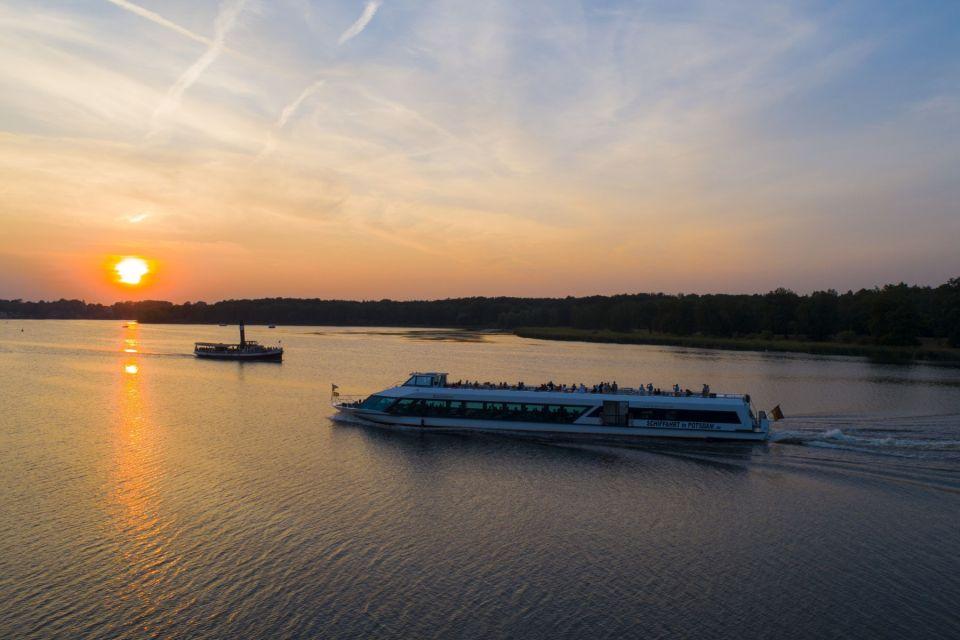 Dampfschiff Gustav und Belvedere im Sonnenuntergang, Foto: Weisse Flotte Potsdam GmbH