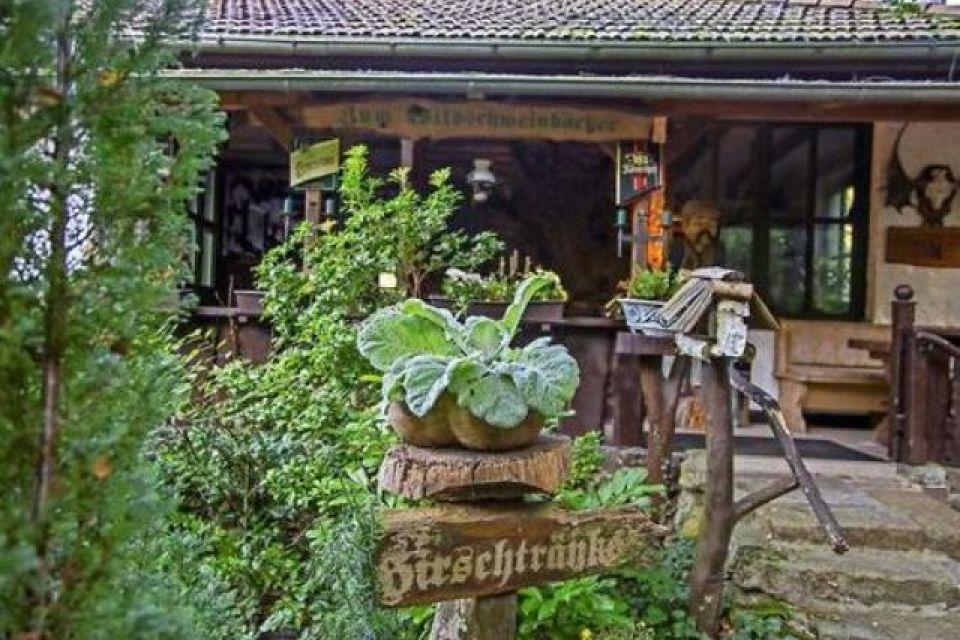Märkische Wildschweinbäckerei - Eingang zum Restaurant, Foto: Katrin Paulus